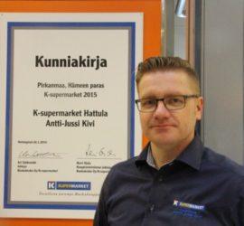 Antti-Jussi Kivi vaihtaa Hattulan Hämeenlinnaan ja Citymarket-kauppiaan tehtäviin.