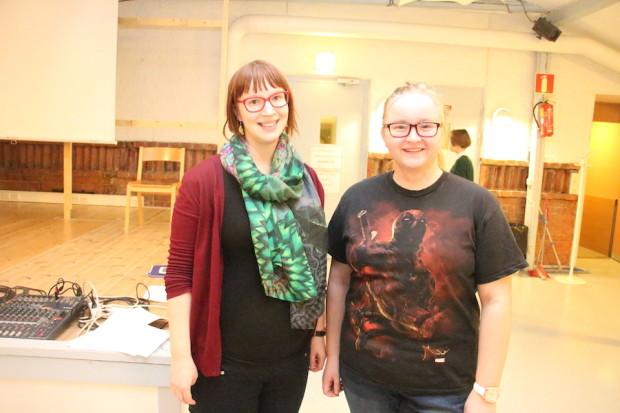 Nuorisotyöntekijä Jenni Koskivuori ja Pilke-teatterin Karoliina Kauhanen olivat mukana NuVa:n osallisuusrahaillassa.