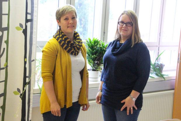 Jenni Jokelainen ja Mari Kuningas sanovat, että ainakin toistaiseksi Hattulassa on pystytty vastaamaan erilaisiin avuntarpeisiin hyvin.